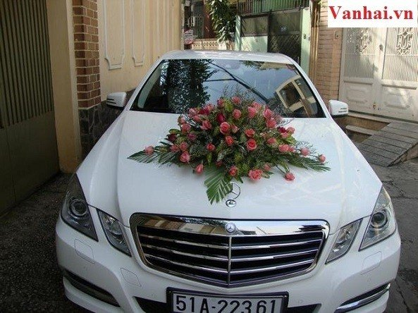 Cuốn hút với dàn thuê xe cưới Mercedes E250