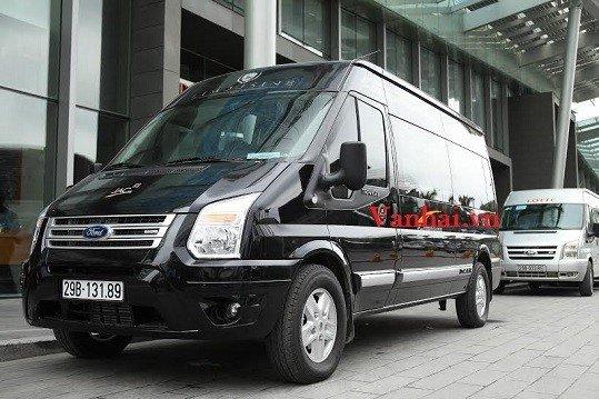Dịch vụ cho thuê xe Ford transit Dcar Limousine giá rẻ tại Hà Nội