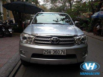Cho thuê xe 7 chỗ Toyota Fotuner giá rẻ tại Hà Nội