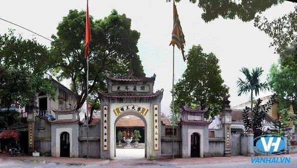 Quang cảnh đền Trần