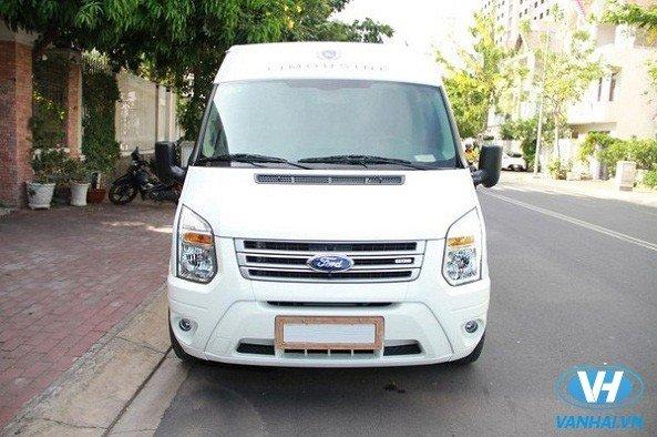 Dịch vụ thuê xe Ford Dcar President đi du lịch giá rẻ nhất tại Hà Nội