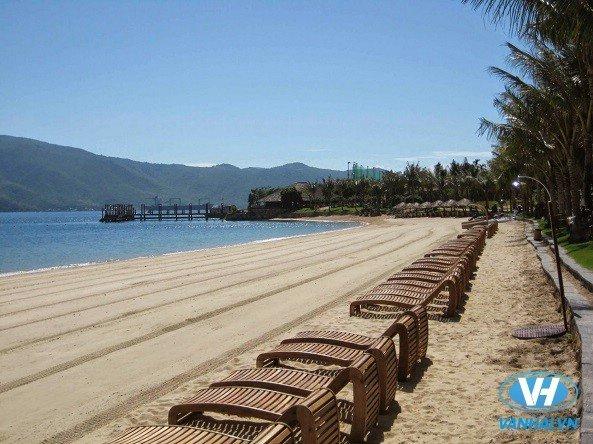 Biển Minh Châu trong xanh, lãng mạn