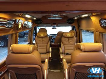 Cho thuê xe 9 chỗ Ford transit Dcar Limousine giá rẻ tại Hà Nội