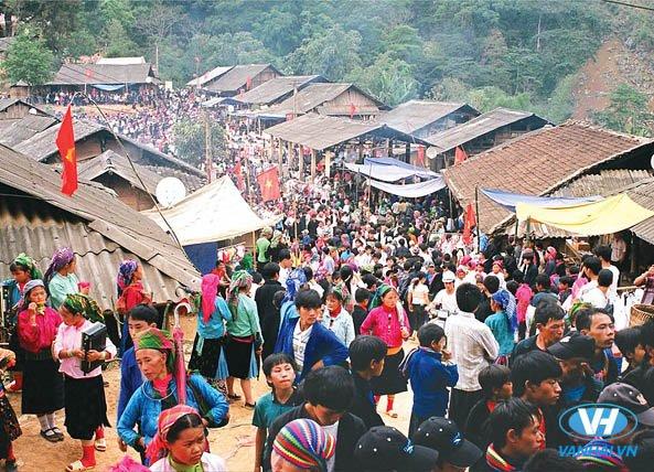 Chợ tình Khâu Vai là một lễ hội lớn của người Hà Giang