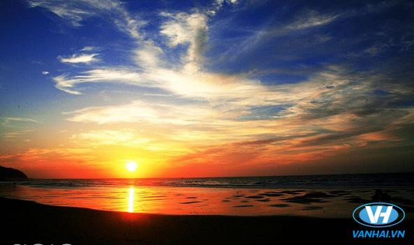 Mặt trời Quan Lạn cũng đẹp lạ thường
