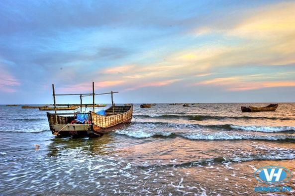Cảnh đẹp thơ mộng từ đảo ra biển