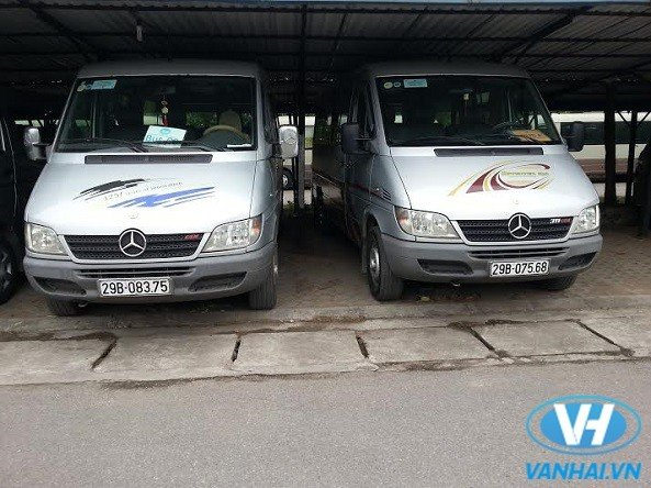 Cho-thue-xe-Mercerdec-_Sprinter_5.jpg