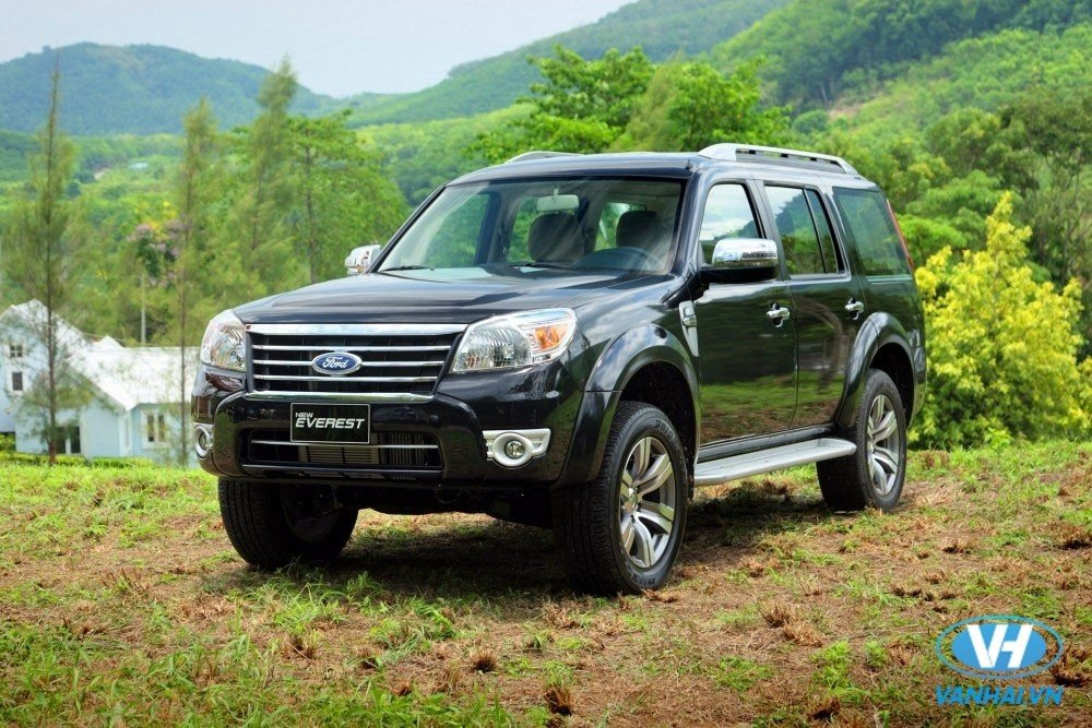 cho-thue-xe-7-cho-theo-thang-ford-everest.jpg