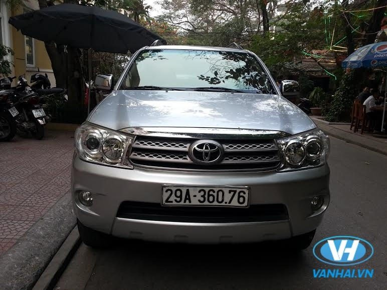 cho-thue-xe-7-cho-theo-thang-toyota-fortuner_1.jpg