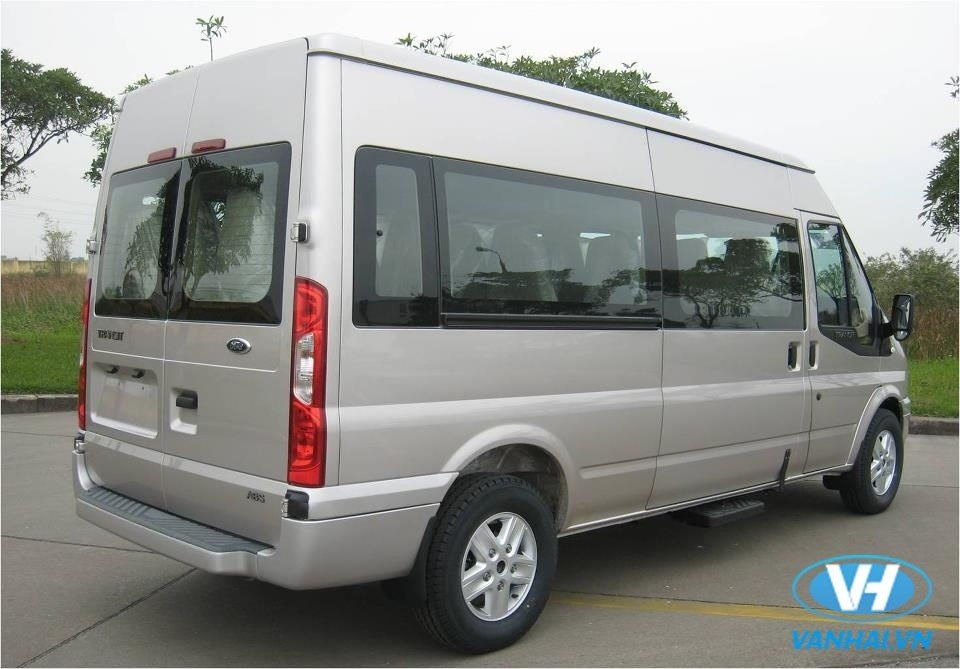 cho-thue-xe-ford-transit-16-cho-gia-re-nhat-hn.jpg