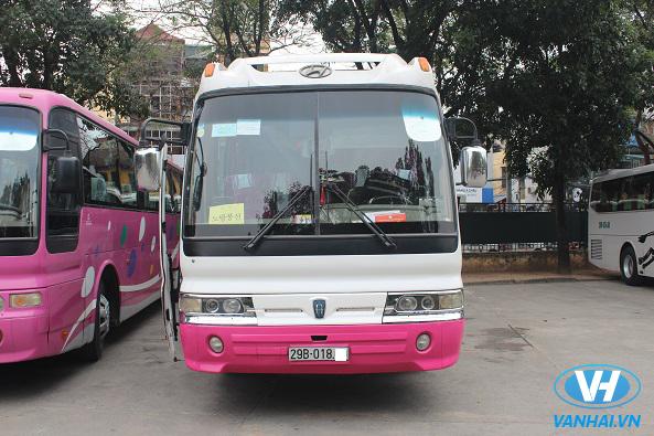 Dàn xe 45 chỗ đời mới, hiện đại phục du lễ hội tại Hà Nội