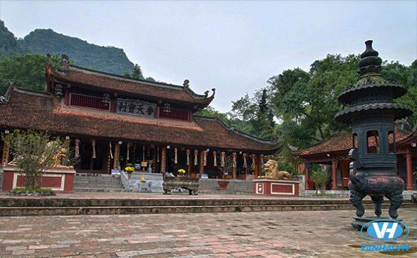 Vãn cảnh chùa Hương dịp đầu năm
