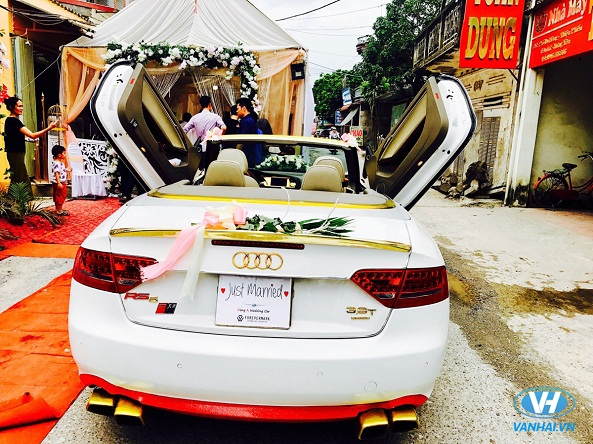Xe cưới mui trần Audi A4 lịch lãm và sang trọng