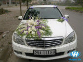 Vân Hải cho thuê xe cưới Mercedes C250 giá rẻ nhất tại quận Cầu Giấy