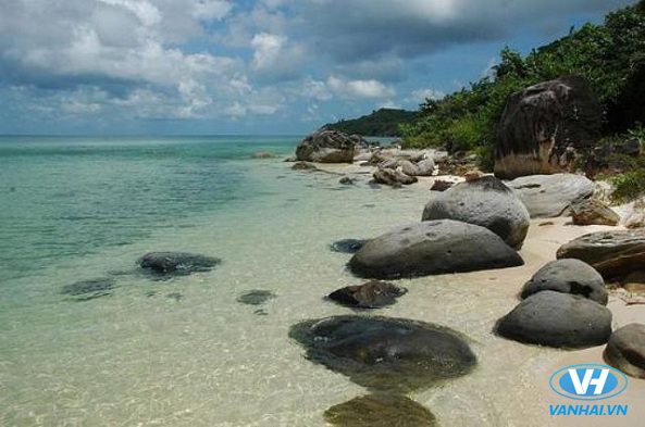 Du lịch biển Thiên Cầm 3 ngày 2 đêm chỉ với 3 triệu đồng
