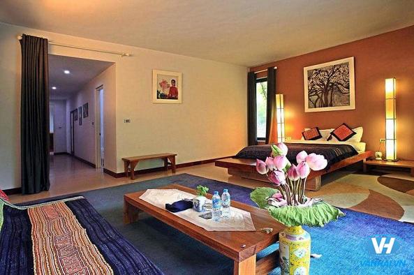Phòng khách rộng lớn đầy đủ tiện nghi của homestay