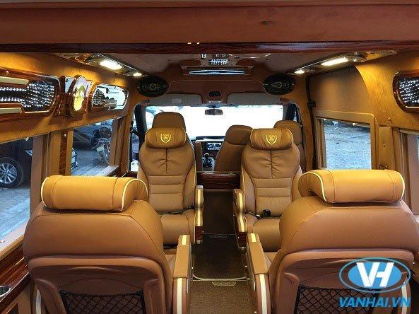 Nội thất tiện nghi của xe Dcar Limousine 9 chỗ