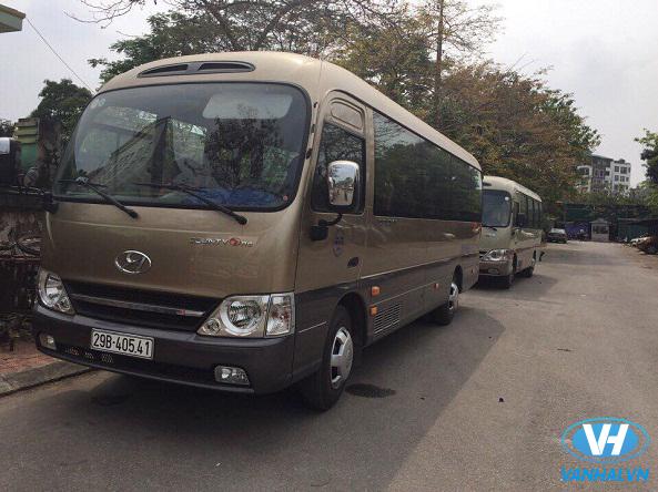 Dàn xe hiện đại của công ty Vân Hải phục vụ khách hàng
