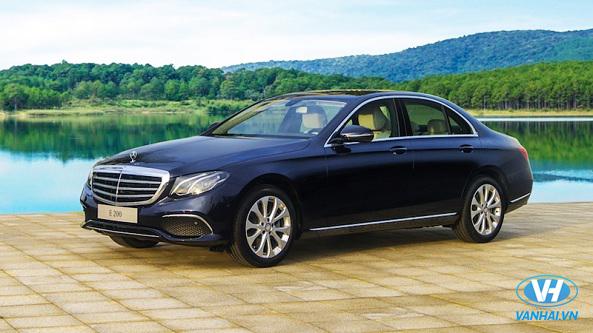 Vân Hải phục vụ dàn xe Mercedes 4 chỗ hiện đại nhất