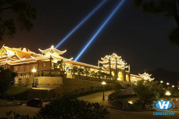 Chùa Ba Vàng là điểm đến tâm linh nổi tiếng ở Quảng Ninh