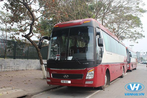 Dịch vụ cho thuê xe aero space 35 chỗ của Vân Hải được đánh giá cao