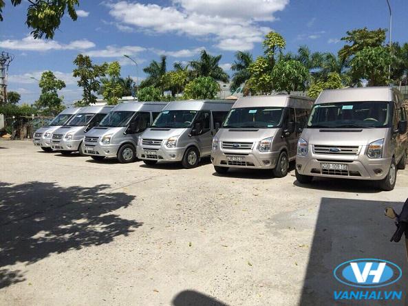 Dàn xe 16 chỗ hiện đại phục vụ khách hàng