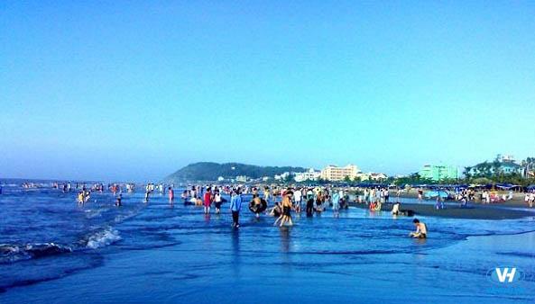 Vẻ đẹp trong xanh trên bãi biển Sầm Sơn