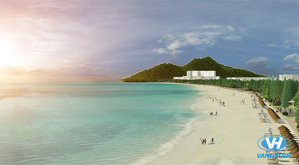 Bãi biển trong xanh với bờ cát vàng thoai thoải