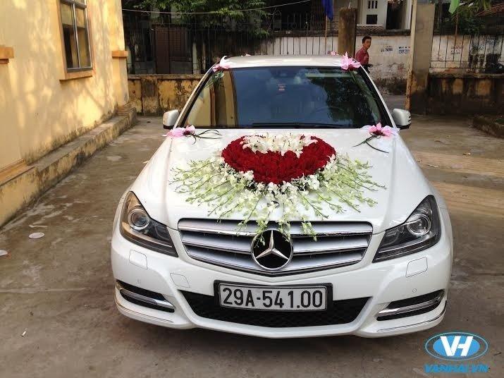 Dịch vụ thuê xe cưới Mercedes S500 của Vân Hải được đánh giá cao