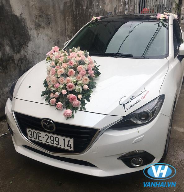 Ấn tượng với vẻ ngoài nổi bật của xe cưới Mazda 6