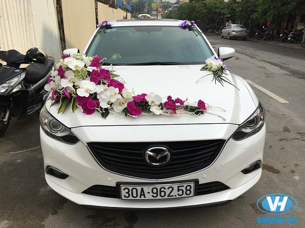 Một mẫu xe cưới đẹp mắt, ấn tượng cho lễ rước dâu