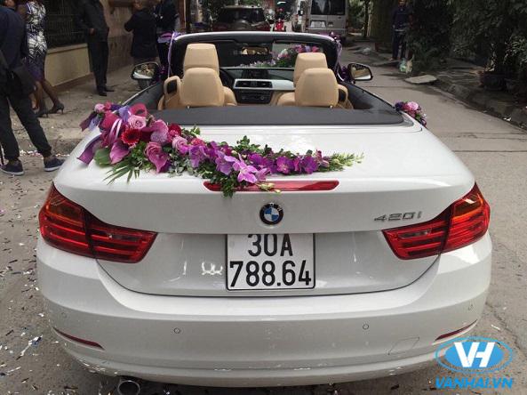 Dịch vụ cho thuê xe cưới và hoa cưới được nhiều khách hàng quan tâm