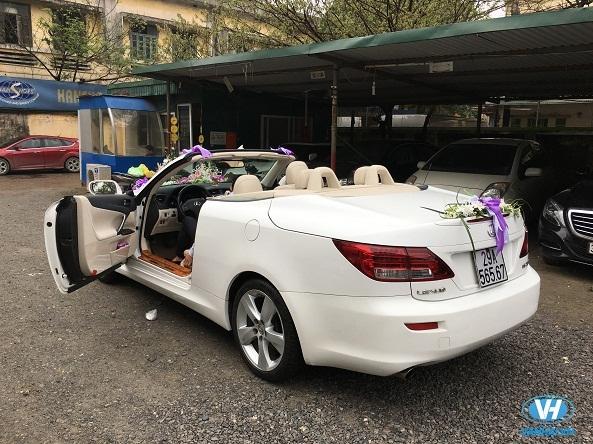 Lựa chọn một mẫu xe hoa cưới phù hợp với điều kiện
