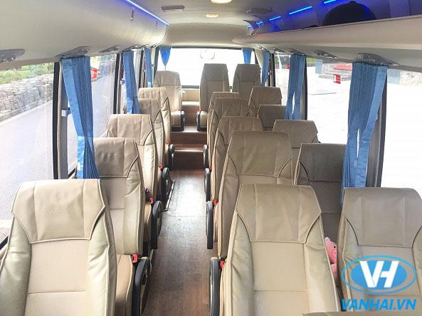 Nội thất tiện nghi và sang trọng của xe 22 chỗ Fuso Rosa Exclusive