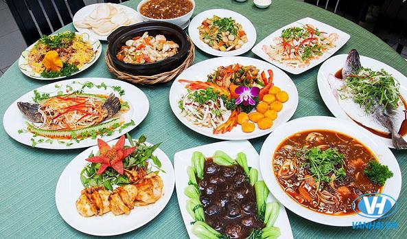"""Ăn tất niên là nét """"văn hóa"""" lâu đời của người Việt"""