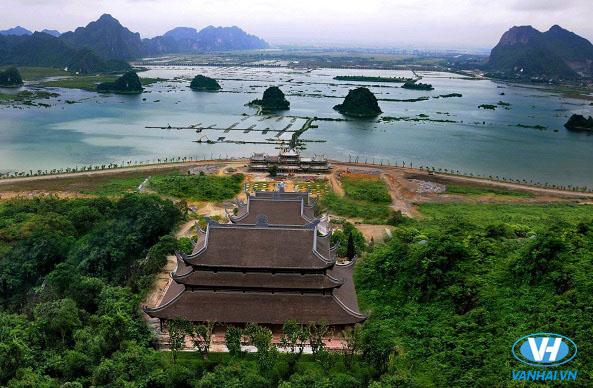 Cho thuê xe giá rẻ đi chùa Tam Chúc – Chốn tiên cảnh bồng lai
