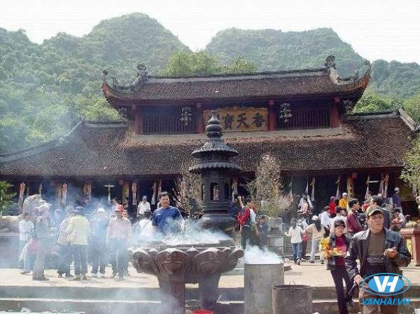 Không gian lễ hội Yên Tử vô cùng nhộn nhịp