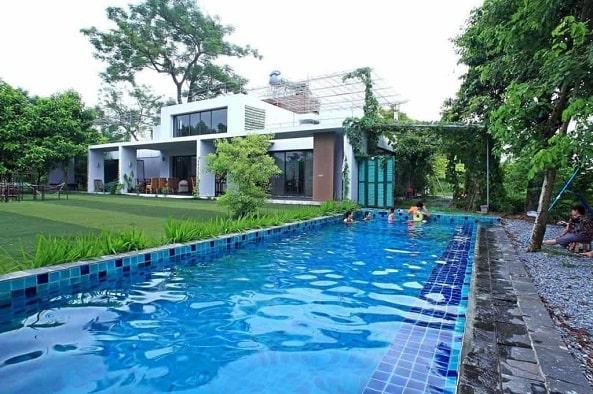 Homestay mang đến dịch vụ bể bơi tiện ích