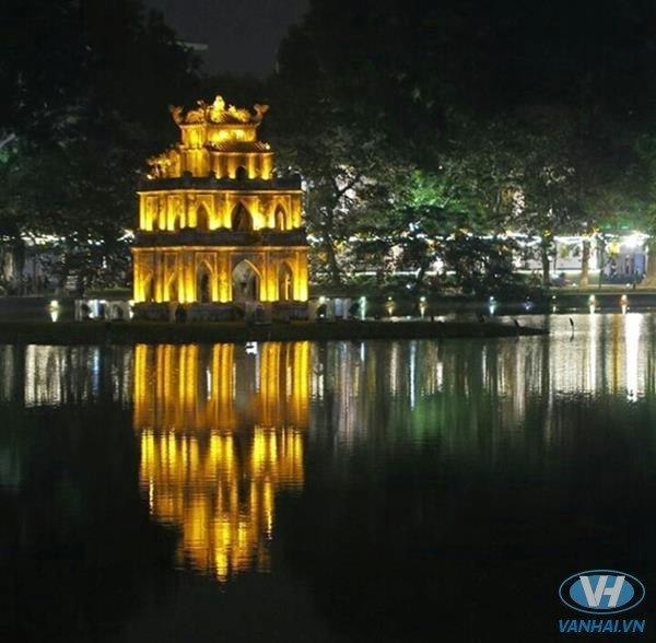 Hồ Gươm – điểm dừng chân không thể bỏ qua khi du lịch Hà Nội
