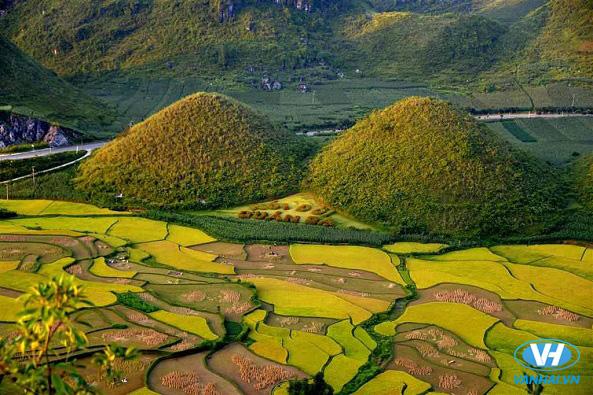 Bức tranh núi rừng hùng vĩ, tráng lệ làm say lòng du khách