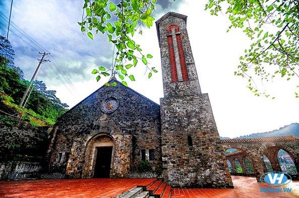 Tham quan kiến trúc độc đáo tại nhà thờ cổ Tam Đảo