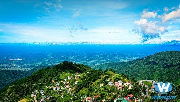 Toàn cảnh thị trấn phố núi xinh đẹp