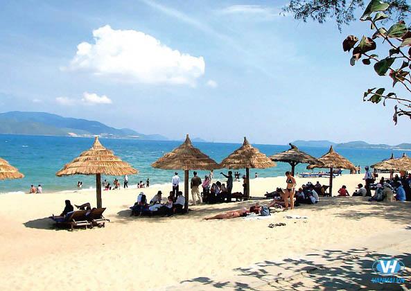 Điểm dừng chân thú vị nhất mùa hè chính là những bãi biển trong xanh