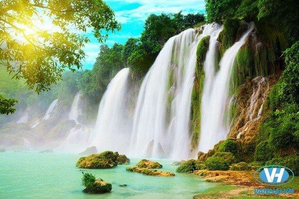 Bản Giốc mùa nước đổ đẹp như tranh
