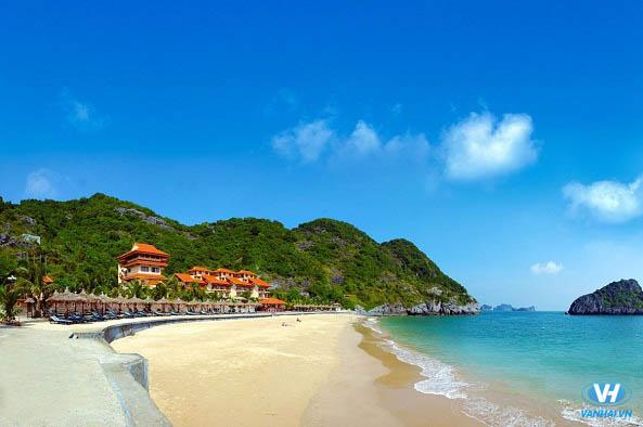 Bãi biển Đồ Sơn xinh đẹp hiện lên trước mắt